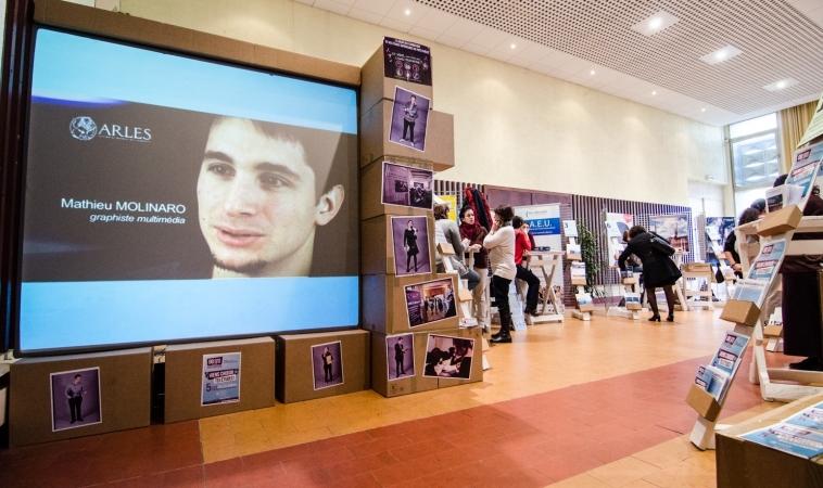 Installation Vidéo et Création d'affiche pour Arles Campus